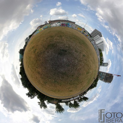 Berlino-East-Side-Gallery-Planet.jpg