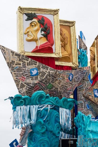 Carnevale-di-Viareggio-2016-13.jpg