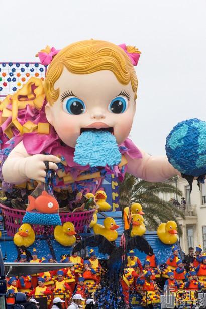 Carnevale-di-Viareggio-2016-14.jpg