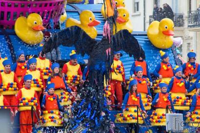 Carnevale-di-Viareggio-2016-16.jpg