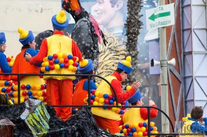 Carnevale-di-Viareggio-2016-20.jpg