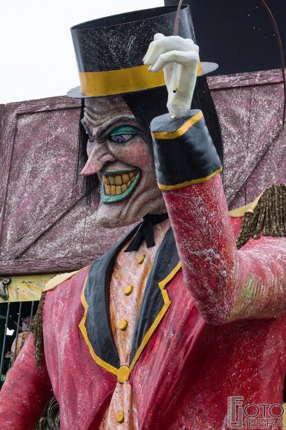 Carnevale-di-Viareggio-2016-48.jpg