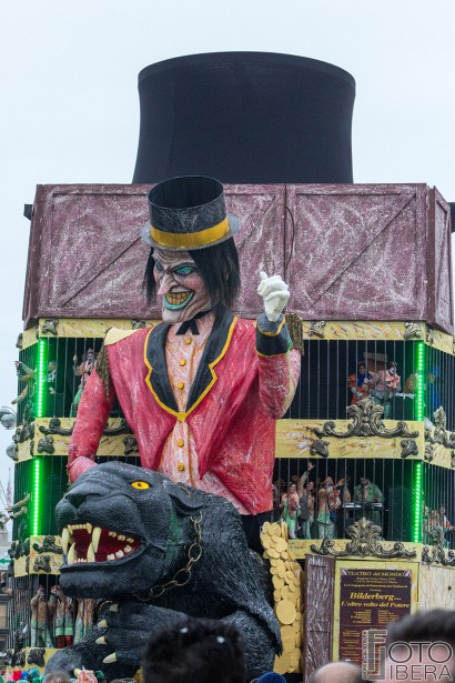 Carnevale-di-Viareggio-2016-54.jpg