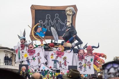 Carnevale-di-Viareggio-2016-74.jpg