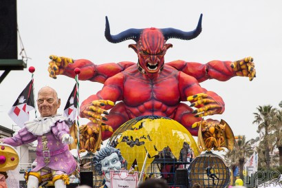 Carnevale-di-Viareggio-2016-82.jpg