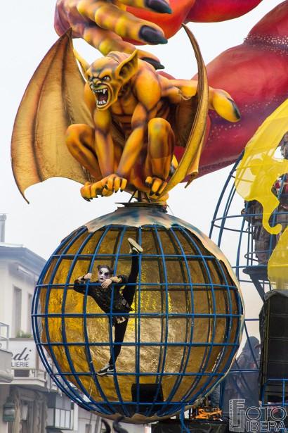 Carnevale-di-Viareggio-2016-88.jpg